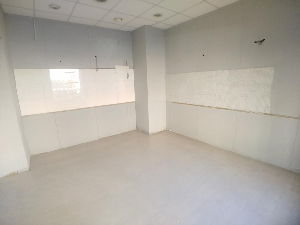 Locale commerciale / laboratorio / magazzino - Euro 45.000